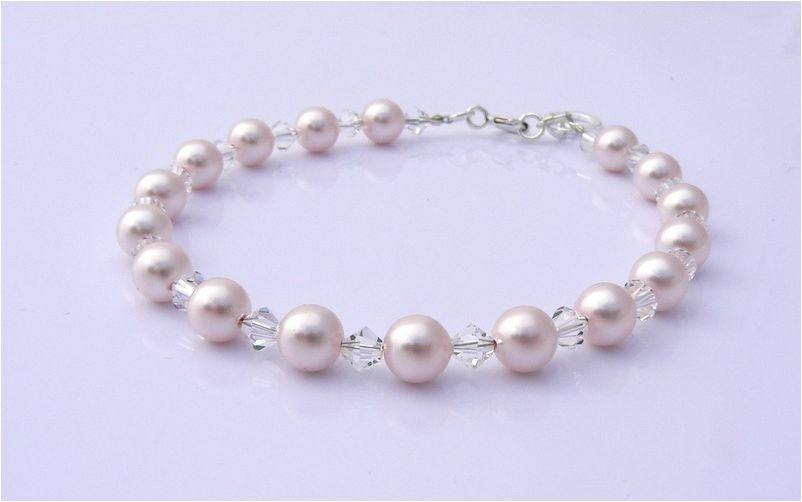 wedding bridal jewellery pearl and charm bracelet