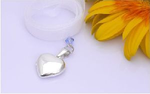 sterling silver photo locket charm for your wedding bouquets
