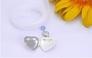 locket charm for all wedding bouquets